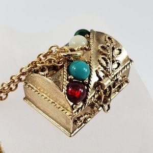 Vintage Avon Necklace Queens Ransom Treasure Chest